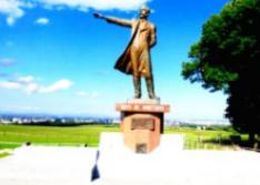 クラーク博士の銅像を記念撮影